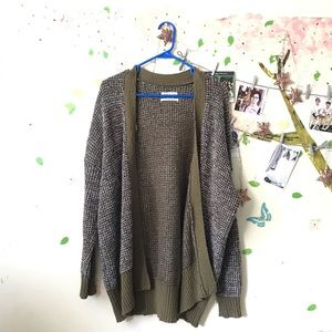 UO Long sleeve Green Cardigan